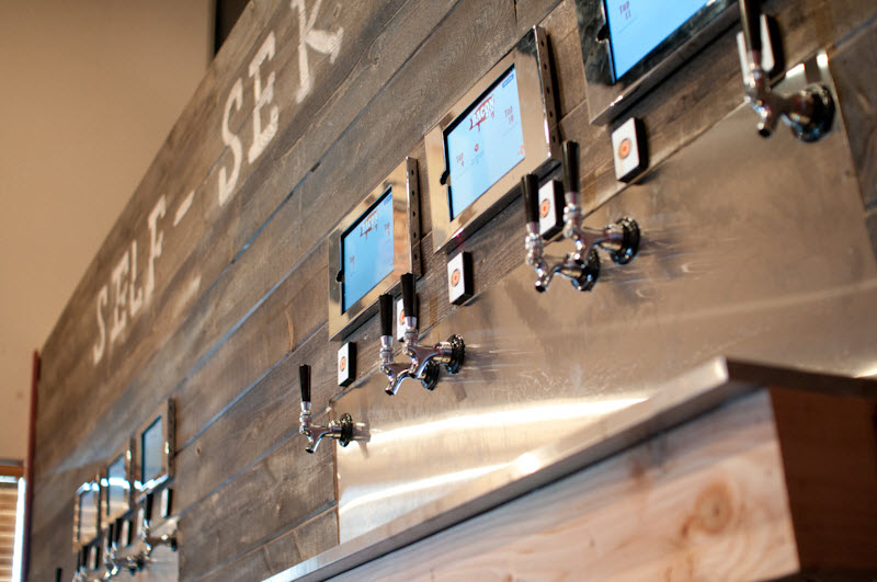 iPourIt - Bacon Bar 12 Taps